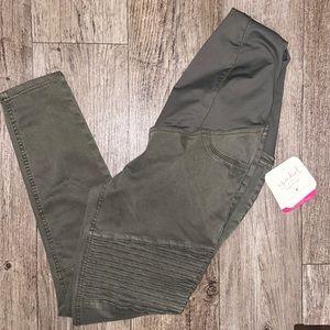 Maternity jeans 👖 🤰